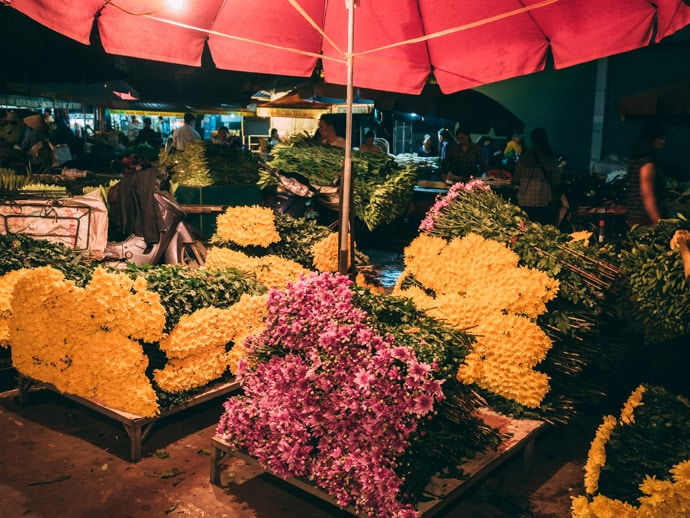 Quang An Wholesale Flower Market Hanoi
